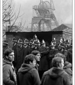 Postcard of early morning picket at Celynen South Colliery on 6th November 1984.